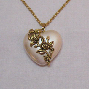 Vintage Pearlized Lucite Puff Heart Floral Pendant Necklace