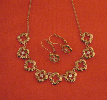 Awesome Vintage Floral Cubic Zirconia Necklace Pierced Earrings Set