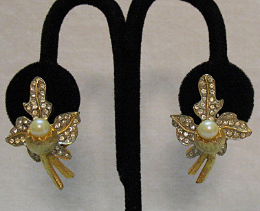 Vintage High End Pearl Cup Pava Rhinestone Earrings