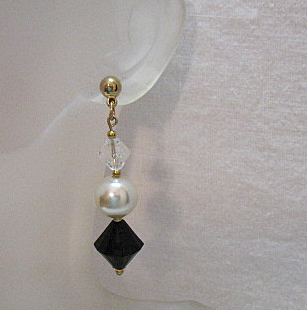Fun Vintage Pierced Shoulder Duster Earrings Black White