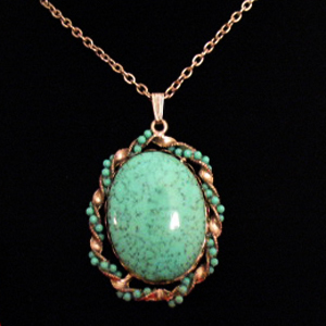 Very Nice Vintage Glass Turquoise Necklace