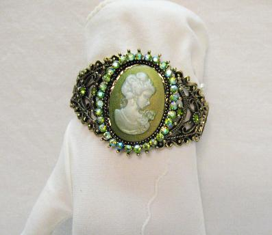 Magnificent Vintage Green Cameo Rhinestone Bracelet