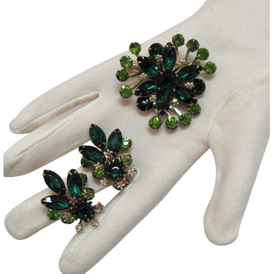 50% OFF Vintage Emerald Green Rhinestone Brooch Earrings Set