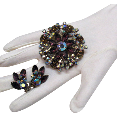Amazing Vintage Plum Rhinestone Brooch Earrings Set Art Glass Stones
