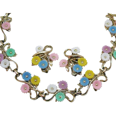 50% OFF Beautiful Vintage 1950s Pastel Floral Necklace Earrings Set