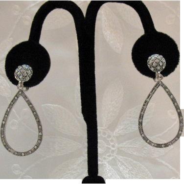 Wonderful Tear Drop Dangle Clip Earrings~32 Rhinestones!