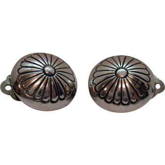 Vintage 1940s Sterling Concha Clip Earrings