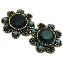 Vintage Emerald Green Rhinestone Clip Earrings Faux Turquoise
