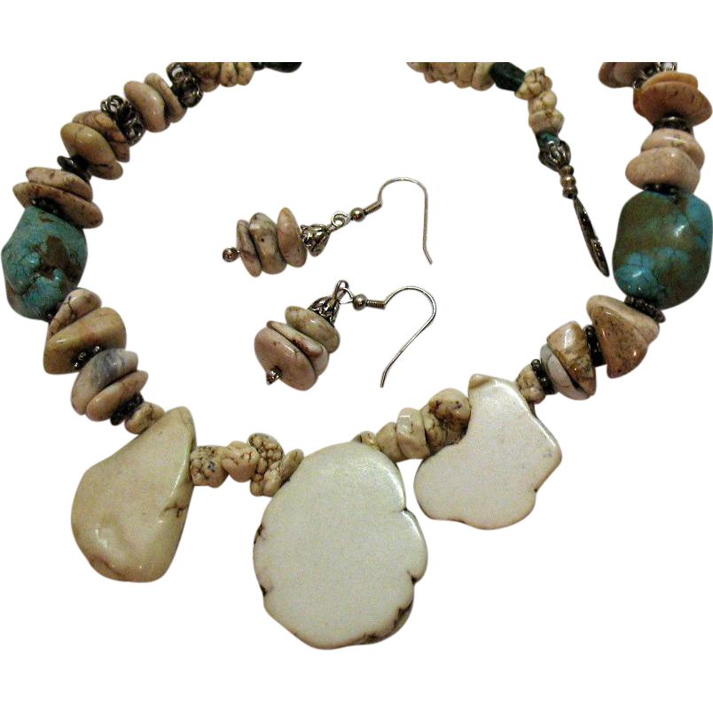 Vintage Howlite Chunky Necklace Pierced Earrings Set