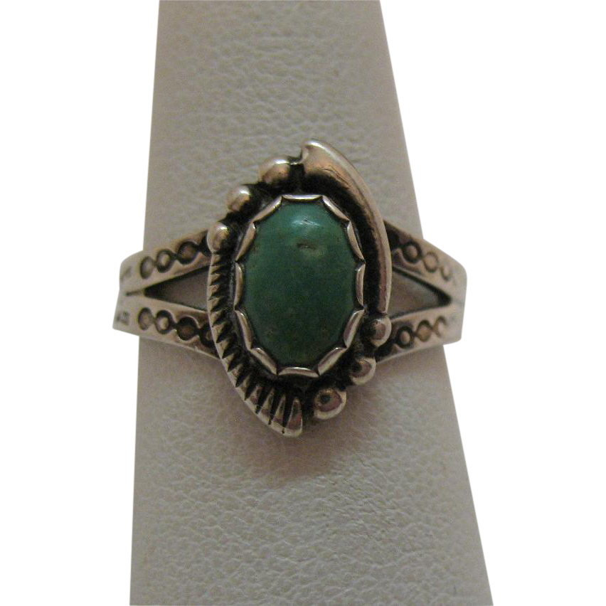 Vintage Sterling Silver American Indian Story Telling Turquoise Ring