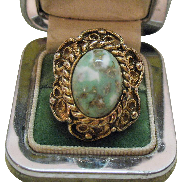 Bold Vintage Confetti Lucite Cabochon Ring