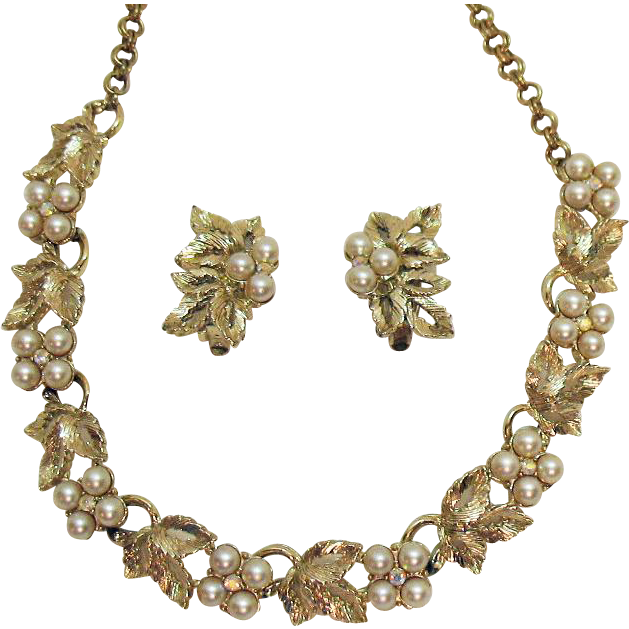 Gorgeous Vintage Signed Judy Lee Pearl Rhinestone Necklace Earrings Set