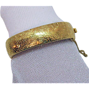 Nice Vintage Etched Golden Hinged Bangle Bracelet