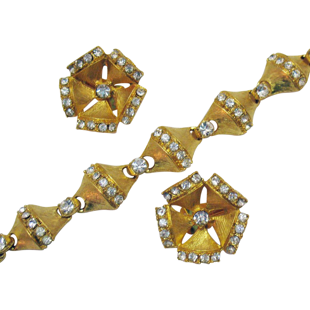 Beautiful Vintage Rhinestone Bracelet Clip Earrings Set