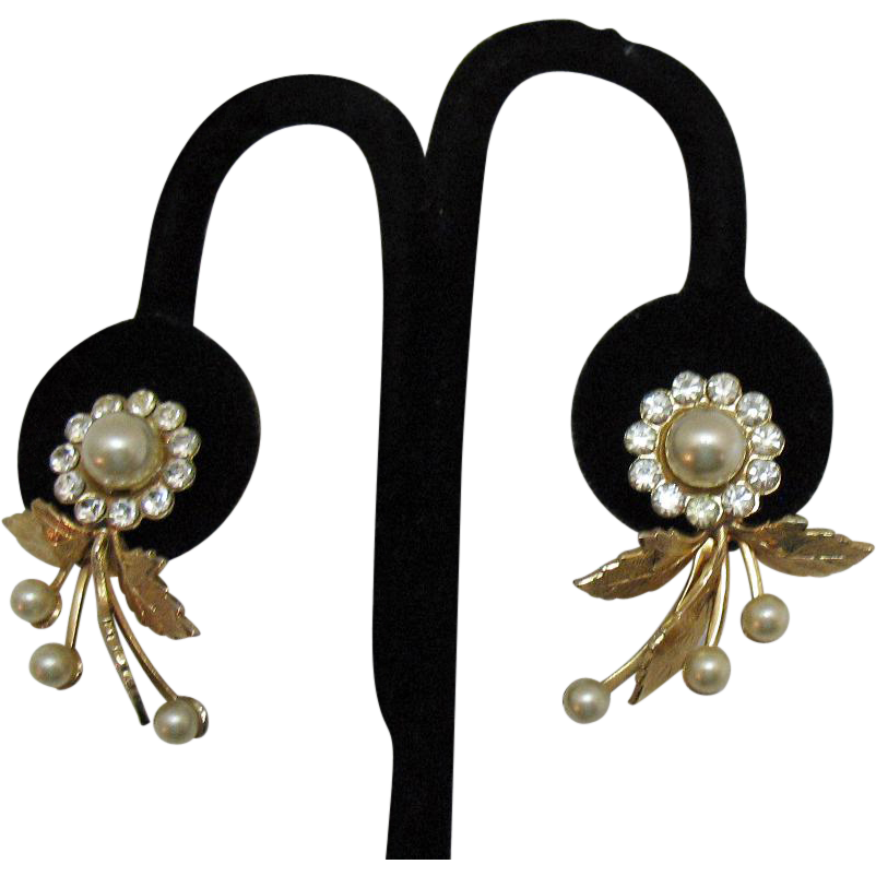 Gorgeous Vintage Faux Pearl Rhinestone Floral Earrings Screw Back
