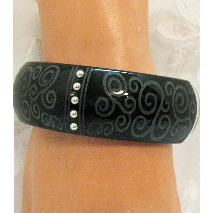 Awesome Vintage Bold Silver Black Etched Resin Magnetic Bracelet