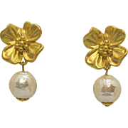 Gorgeous Vintage Signed NJ Golden Flower Mobe Faux Pearl Dangle Clip Earrings