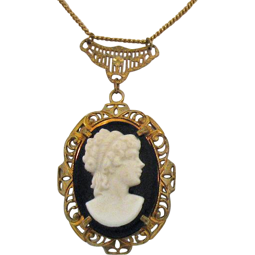 Unusual Vintage Signed R.F. Simmons Co 12K GF Cameo Pendant Necklace
