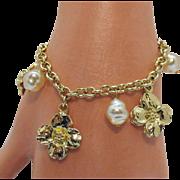 Vintage Mobe Faux Pearl Flower Charm Bracelet