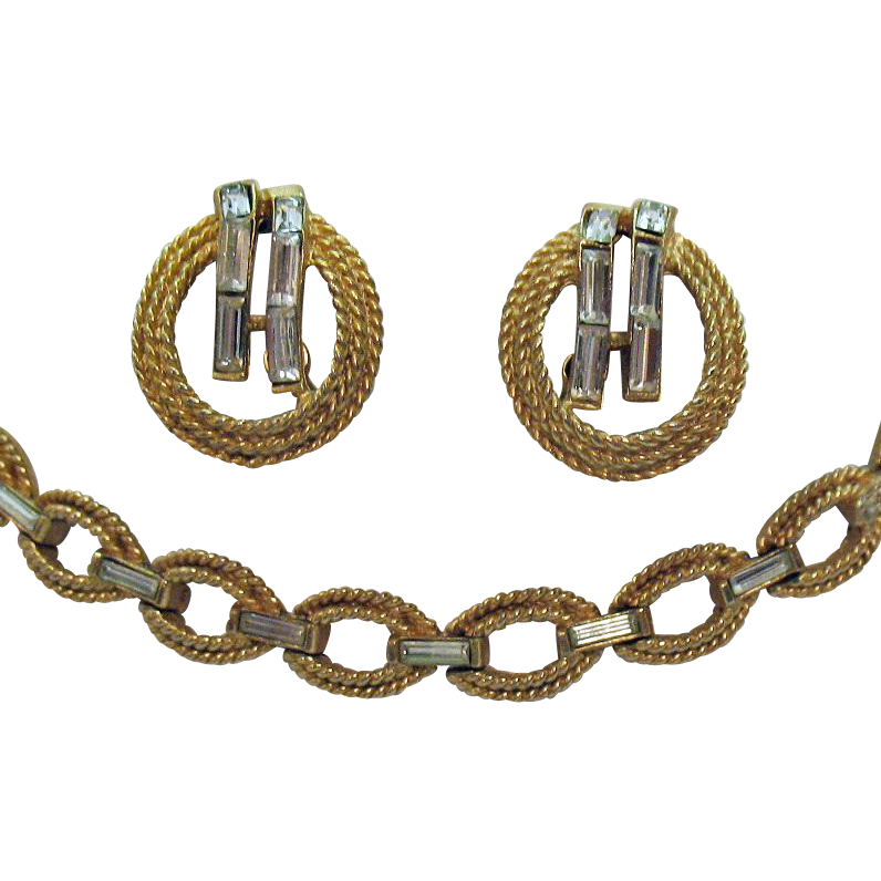Signed Crown Trifari Vintage Golden Baguette Necklace Earrings Set