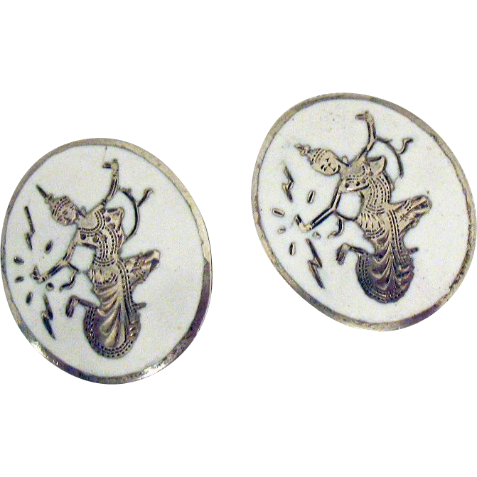 Beautiful Vintage Signed Siam Sterling Silver Dancing Nielloware Clip Earrings