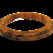 Vintage Art Deco Period Marbled Butterscotch Bakelite Ribbed Bangle Bracelet