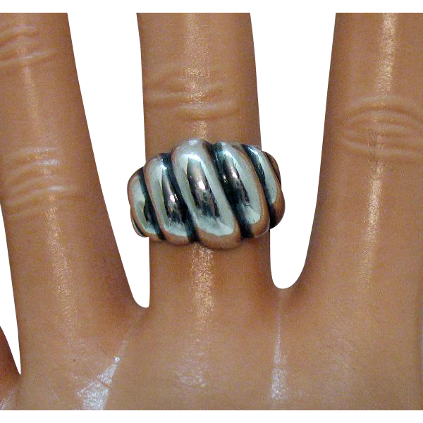 Vintage Signed Sterling Silver Ribbed Band Ring