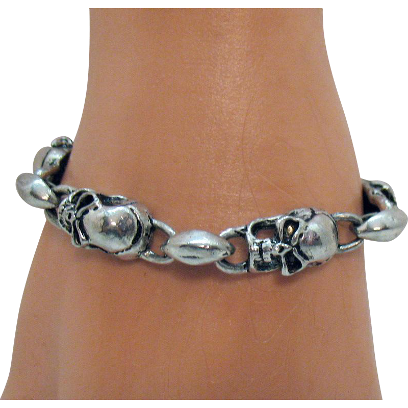 Fun Vintage Silver Metal Skull Link Bracelet Anchor Toggle Clasp