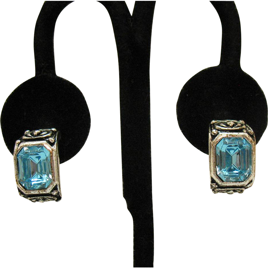 Beautiful Vintage Emerald Cut Blue Topaz Rhinestone Silver Metal Hoop Pierced Earrings