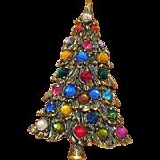 Beautiful Vintage Large Textured Rhinestone Christmas Tree Brooch