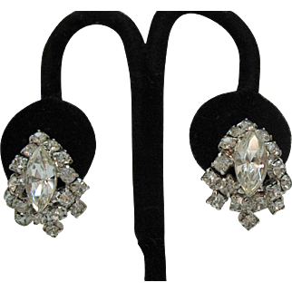 Beautiful Vintage Special Occasion Rhinestone Screw Back Earrings Navettes Chatons