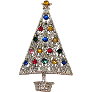 Sparkling Vintage Silver Colored Rhodium Plated Rhinestone Christmas Tree Brooch