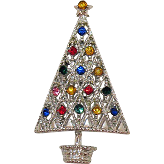Sparkling Vintage Silver Colored Rhodium Plated Rhinestone Christmas Tree Brooch