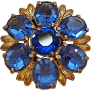 Beautiful Vintage Cornflower Blue Sapphire Oval Glass Stone Fur Clip