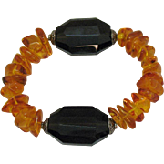 Fabulous Vintage Baltic Amber Black Onyx Stretch Bracelet