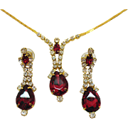 Vintage Huge Ruby Red Clear Rhinestone Vintage Lariat Necklace Pierced Earrings Set