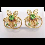 Beautiful Vintage Peridot Rhinestone Floral Eternity Clip Earrings