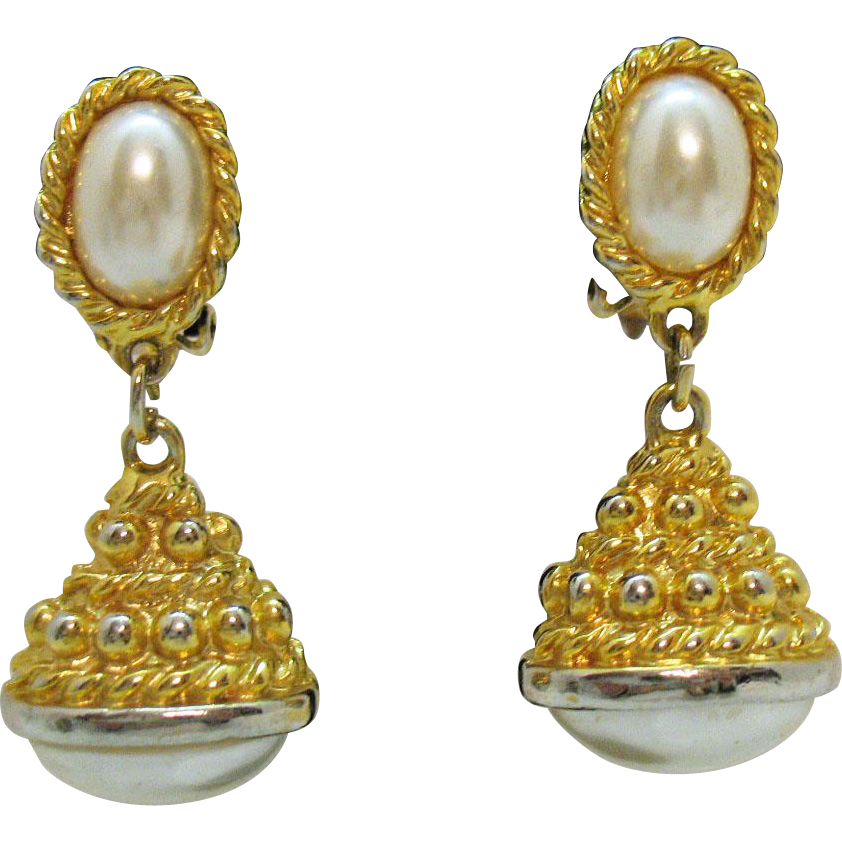Awesome Vintage Etruscan Faux Glass Pearl Clip Earrings