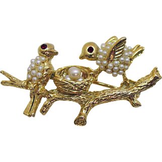 Adorable Vintage Love Bird on a Branch with Nest Brooch Faux Pearls Rhinestones