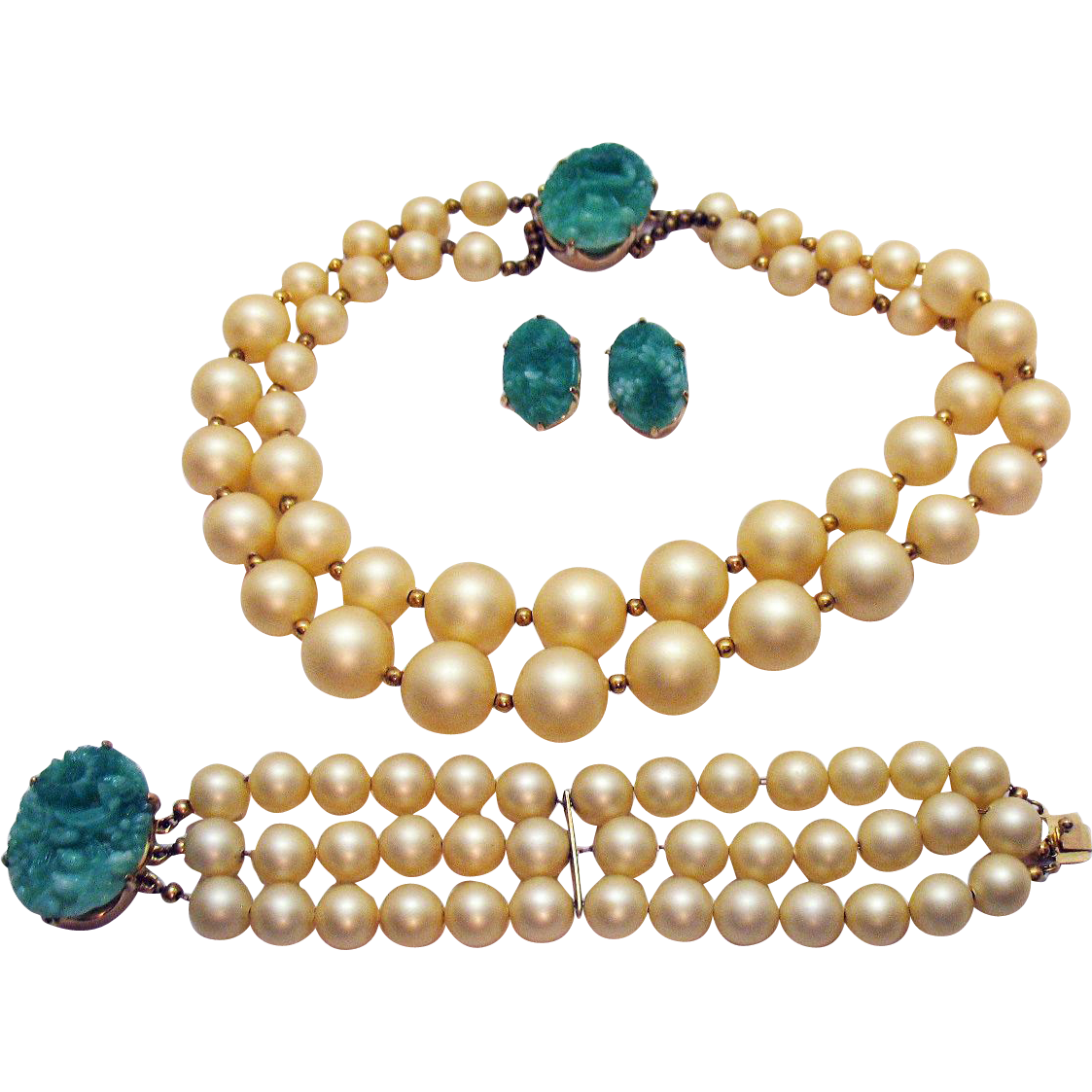 Unsigned Reja Vintage Parure Molded Green Glass Jade Cream Necklace Bracelet Earrings Set
