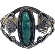 Exquisite Signed Bell Trading Co Vintage Native American Indian Sterling Silver Green Turquoise Cuff Bracelet