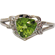 Signed STS 925 Vintage Hebei Peridot Gemstone Trillion Solitaire Sterling Silver Ring