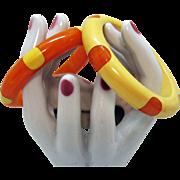 Vintage Lucite Polka Dotted Ying Yang Bright Orange Swirl Yellow Bangle Bracelet Set