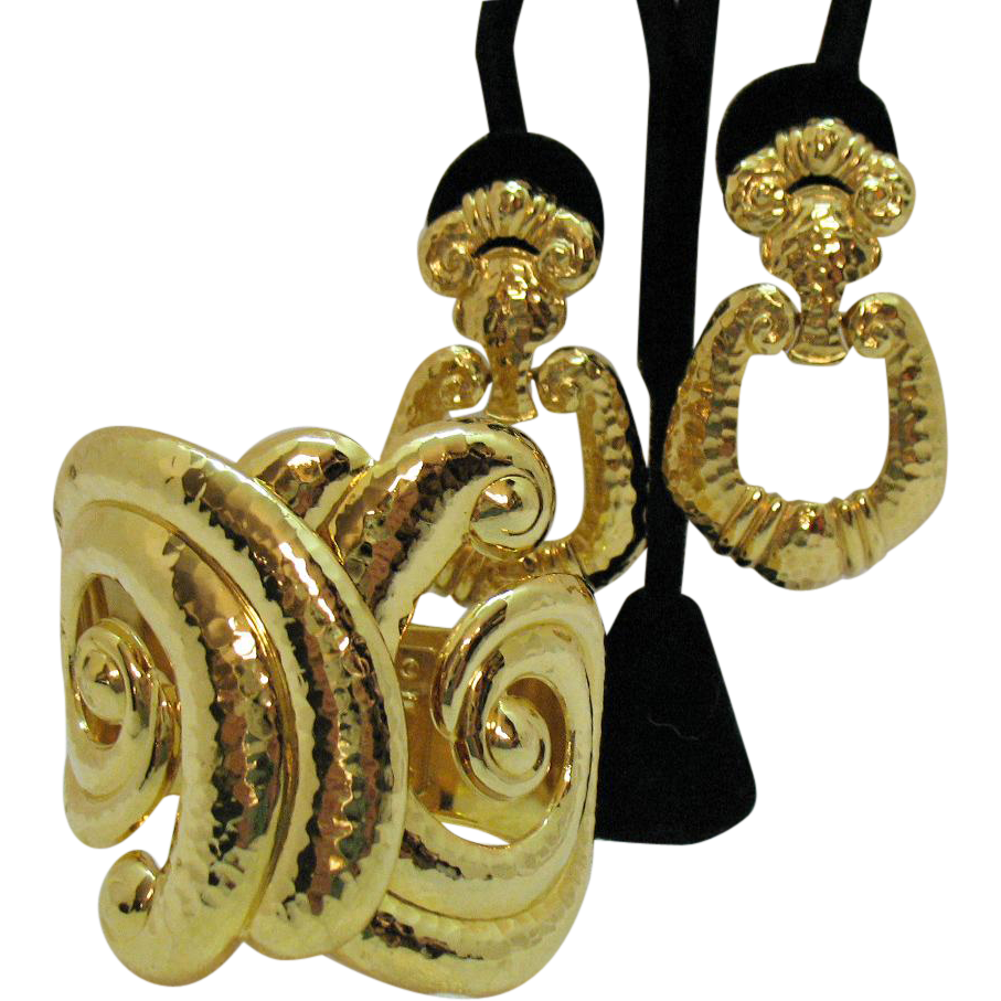 Rare Signed Barrera for Avon Corinthian Collection Vintage Cuff Bracelet Pierced Earrings Set Unworn
