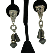 Etruscan Vintage Antiqued Silver Metal Pierced Earrings Green Beads