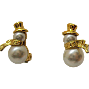 Adorable Vintage Faux Pearl Cabochons Figural Snow Man Clip Earrings