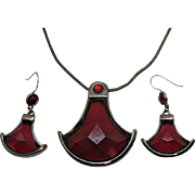 Signed Liz & Co Vintage Red Faceted Resin Mesh Vintage Necklace Pierced Earrings Set