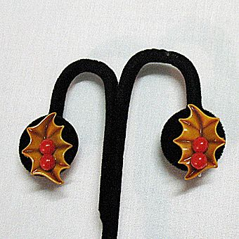 50% OFF~Hard to Find 1940s Celluloid Earrings Holly Leaf & Berry Christmas Set-BOOK