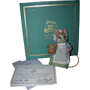 """MIB R. John Wright """"Little Maid, Pretty Maid"""" Mouse from the Mother Goose Series"""