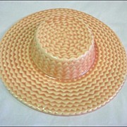 California Pottery Hat Wallpocket Walter Wilson - Beige/Peachy